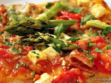 Pizza con asparagi verdi
