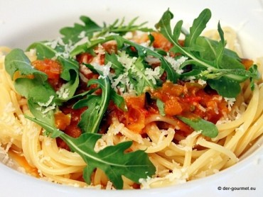 Spaghetti mit Chili Tomatensauce
