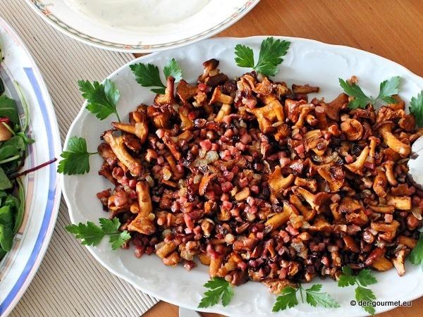 Folienkartoffel mit Kräuterdip und Pfefferlinge