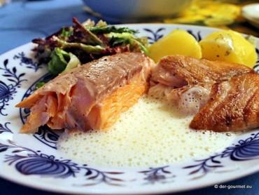 Fisch in 4 Variationen mit Zitronenschaum und Dillsauce