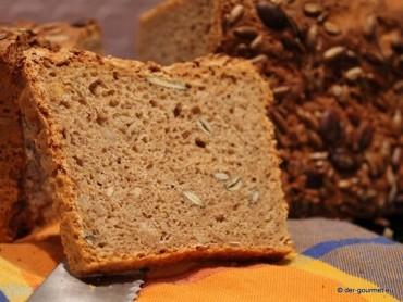 Vollkorn Dinkel Brot