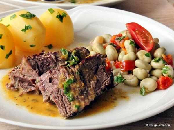 Italienischer Schmorbraten an Bohnensalat